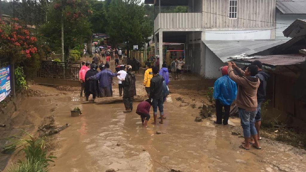 Banjir Bandang Kebayakan Aceh Tengah: 11 Rumah Rusak, 3 Mobil Hanyut