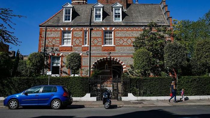Pandemi Corona berdampak pada harga perumahan mewah yang semakin tidak menentu. Di Inggris sektor ini terus menurun.