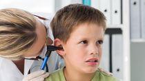 Kisah Bocah yang Telinganya Penuh Jamur karena Kelamaan Pakai Earphone