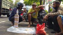 Di Tengah Pandemi Corona, Jasa Penukaran Uang Baru Sepi Peminat
