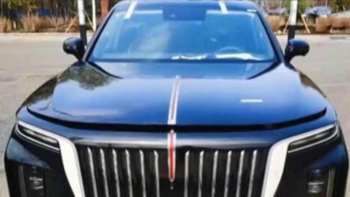 Rolls-Royce Cullinan tiruan