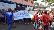 Memukul Tetabuhan, Buruh di Sukabumi Kembali Demo soal THR Dicicil