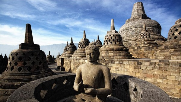 Pertama, Candi Borobudur yang ada di Magelang, Jawa Tengah. (dok. Kemenparekraf)