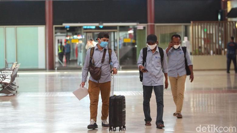 Bandara Soekarno-Hatta ramai diperbincangkan usai kepadatan penumpang terlihat di bandara itu pagi tadi. Seperti apa kondisi bandara itu kini?