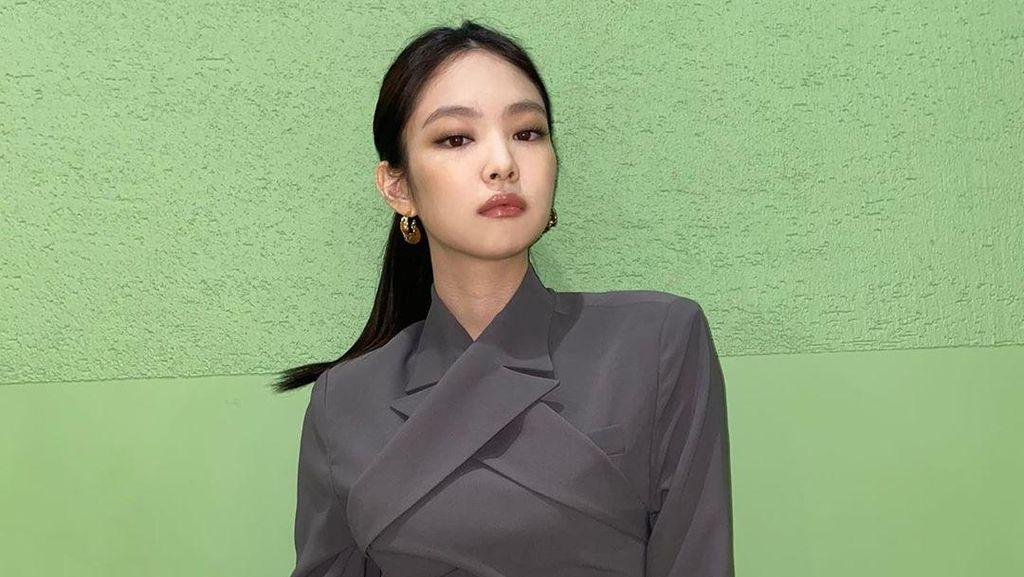 Gaya Terbaru Jennie BLACKPINK yang Pamer Perut Rata Curi Perhatian Netizen