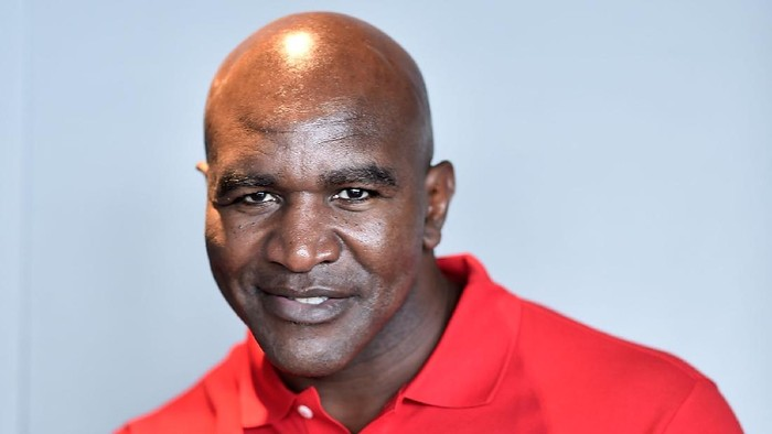 MONTE-CARLO, MONACO - OCTOBER 13:  President and jury member of the golden podium Evander Holyfield attends the 26th edition of Sportel Monaco at Grimaldi Forum on October 13, 2015 in Monte-Carlo, Monaco.  (Photo by Pascal Le Segretain/Getty Images For Sportel Monaco)
