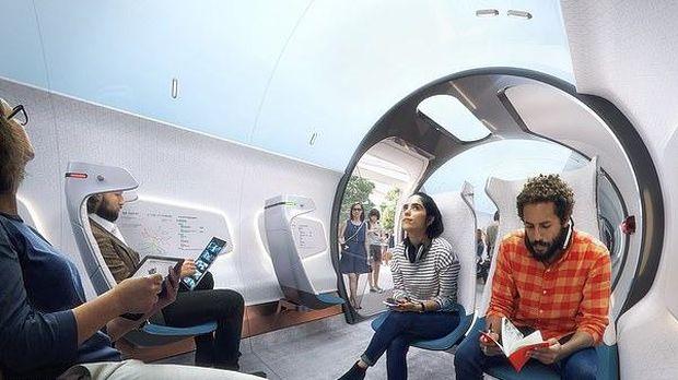Suasana di dalam Hardt Hyperloop