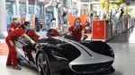 Mengintip Kelahiran Mobil Pertama saat Dapur Ferrari Kembali Ngebul