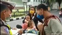 Pengendara di Lumajang Marahi Polisi Tak Terima Kena Tilang