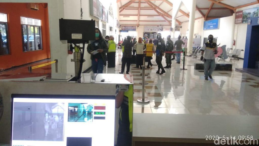 16 Penumpang Datang 12 Berangkat di Bandara Abdulrachman Saleh Hari Ini