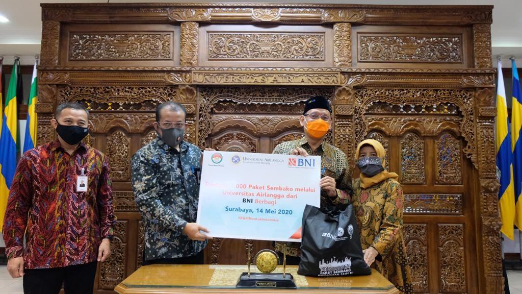 Gandeng UNAIR, BNI Salurkan 1.000 Paket Sembako Ramadhan