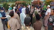 Lihat Petugas Ber-APD, Warga di Kapuas Tolak Pemakaman Jenazah PDP Corona