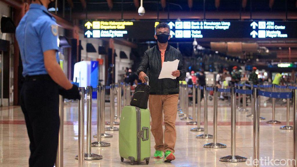 Buntut Penumpang Garuda Positif Corona, Keberangkatan Pesawat Dievaluasi