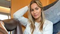 Penyesalan Wanita yang Punya Tato Nazi di Selangkangannya