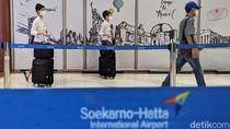 Melihat Kesibukan Pramugari Bandara Soetta saat Pandemi Corona