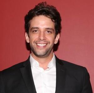 Aktor yang Diamputasi Karena Corona, Kondisinya Masih Parah