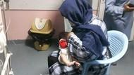 Kisah Perempuan Menyusui Bayi-bayi Yatim Akibat Serangan di Rumah Sakit