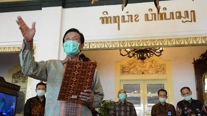 Gubernur DIY Sri Sultan Hamengku Buwono X