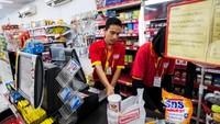 Penasaran Berapa Gaji Pegawai Alfamart? Intip Daftarnya di Sini