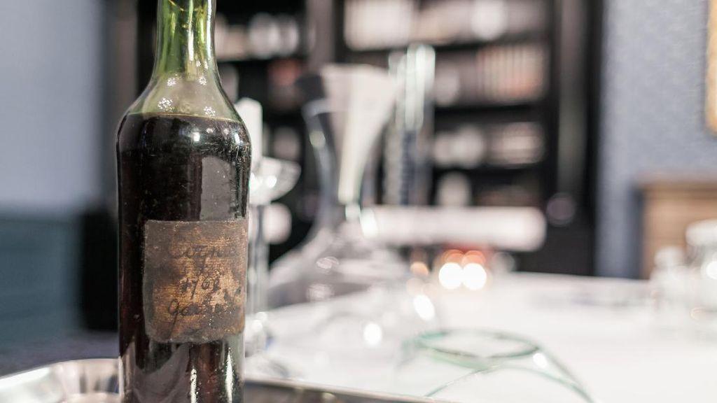 Minuman Cognac  258 Tahun Ini Dilelang Dengan Harga Fantastis
