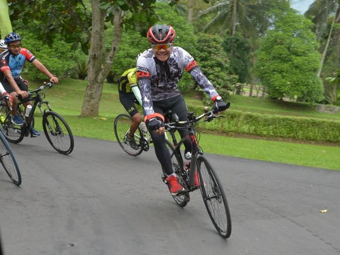 Ganjar Pranowo dengan Sepeda Kesayangan