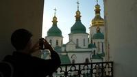 Gereja Kristen Ortodoks ini sempat hancur pada sejumlah perang seperti perang dunia II dan perang Rusia. Namun renovasi yang detil membuat gereja kembali ke bentuk semula.