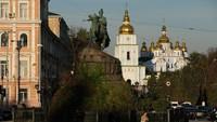 Secara geografis, gereja ini berada di kawasan Eropa Timur bertetangga dengan Rusia, Polandia, Belarus dan Moldova. Dan seperti Eropa Timur yang lain, Kien masih menyimpan sejumlah situs orisinil dari abad pertengahan.