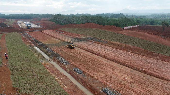 Dikutip dari Instagram PT Hutama Karya (Persero), BUMN konstruksi ini tengah fokus pada pembangunan Jalan Tol Trans Sumatera (JTTS) Ruas Lubuk Linggau – Curup – Bengkulu Foto: Dok. PT Hutama Karya