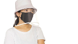 Menjajal Topi Anti-Corona Seperti Cathy Sharon & Aliya Rajasa