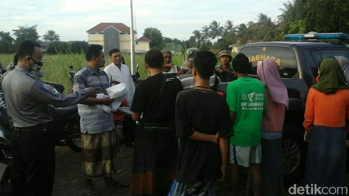 Ada dua kasus pembuangan bayi di Situbondo selama Ramadhan 2020. Terakhir, bayi laki-laki yang ditemukan tak bernyawa dan terbungkus tas plastik di tepi jalan Desa Sumberejo Kecamatan Banyuputih.