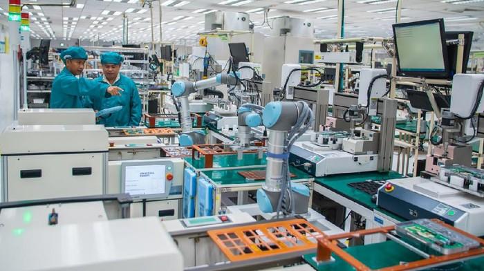 Universal Robots, penyedia teknologi robot kolaboratif (Cobots) yang berbasis di Denmark, menekankan pentingnya adopsi otomatisasi robot untuk bisa menghadapi masa ekonomi sulit seperti saat ini karena bisa meningkatkan produktivitas.
