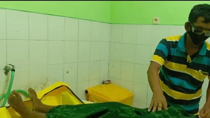 jenazah perampok di kamar mayat RSUD Waluyo Jati Kraksaan
