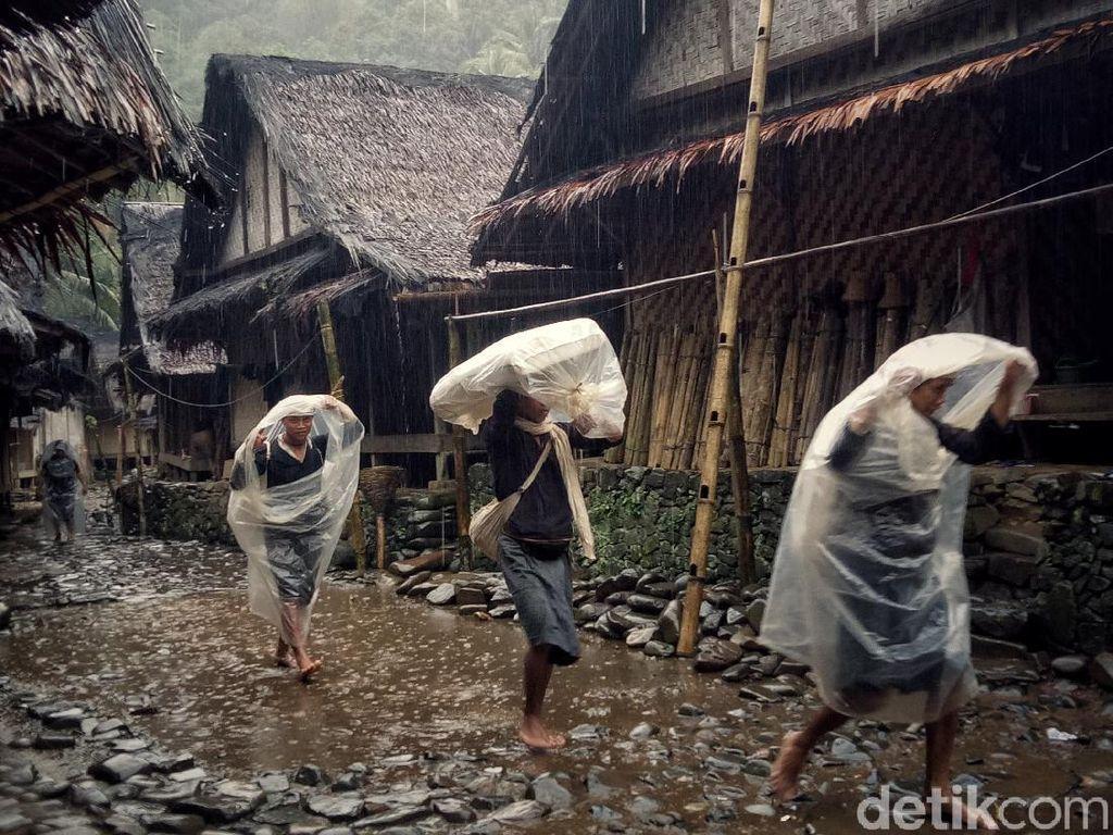 Tentang Kebudayaan Suku Baduy yang Baju Adatnya Dipakai Jokowi