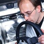 Audi Gaji Karyawan yang Tugasnya Endus Aroma Mobil