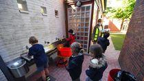 Sekolah di Inggris Bersiap Jelang Belajar di Masa New Normal