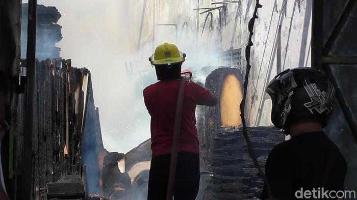 Kebakaran meubel di Gorontalo (Ajis Khalid/detikcom)
