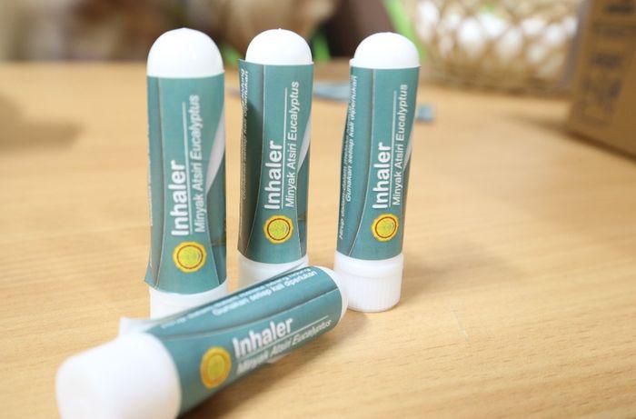 Tiga produk antivirus Corona ini dibuat berbasis tanaman atsiri atau eucalyptus. Istimewa/Dok. Kementan.