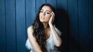 Potret Penyanyi Cantik Cher Lloyd yang Malah PD Setelah Punya Stretch Marks
