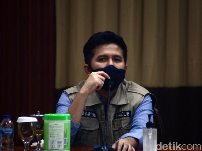 Polisi Surabaya mengungkap kasus pengedaran narkoba dengan barang bukti 100 kg sabu dan 4 ribu butir pil happy five. Wagub Jatim Emil Elestianto Dardak mengapresiasi keberhasilan polisi.