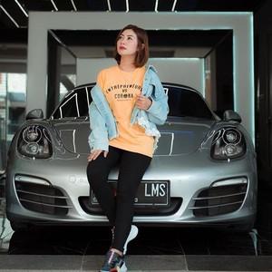Kisah Delta Hesti, Crazy Rich Surabaya Lulusan SD Dulunya Cleaning Service