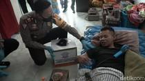 Santuni Korban Kecelakaan, Ini Pesan Polisi ke Pengguna Jalan