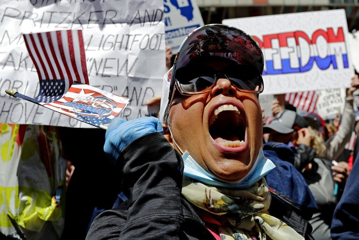 Kebijakan lockdown di sejumlah negara ditentang oleh warganya karena dinilai menghambat laju perekonomian, hingga demonstrasi pun terjadi di jalan.