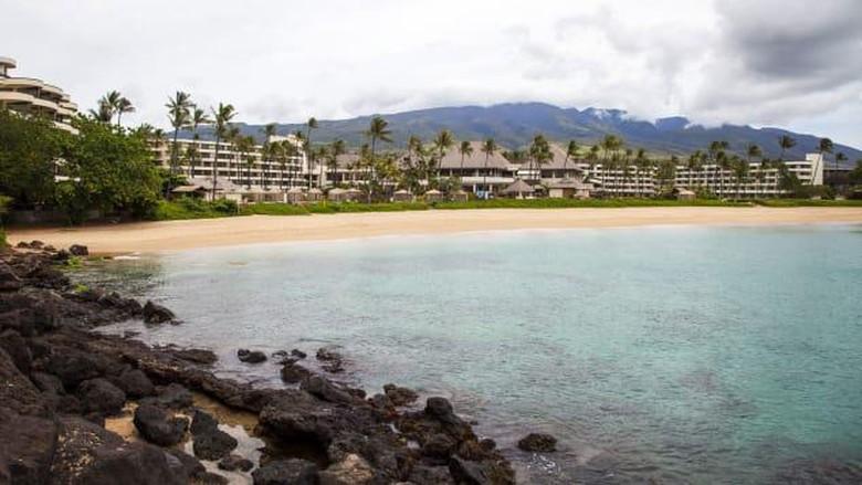 Pantai di Hawaii.