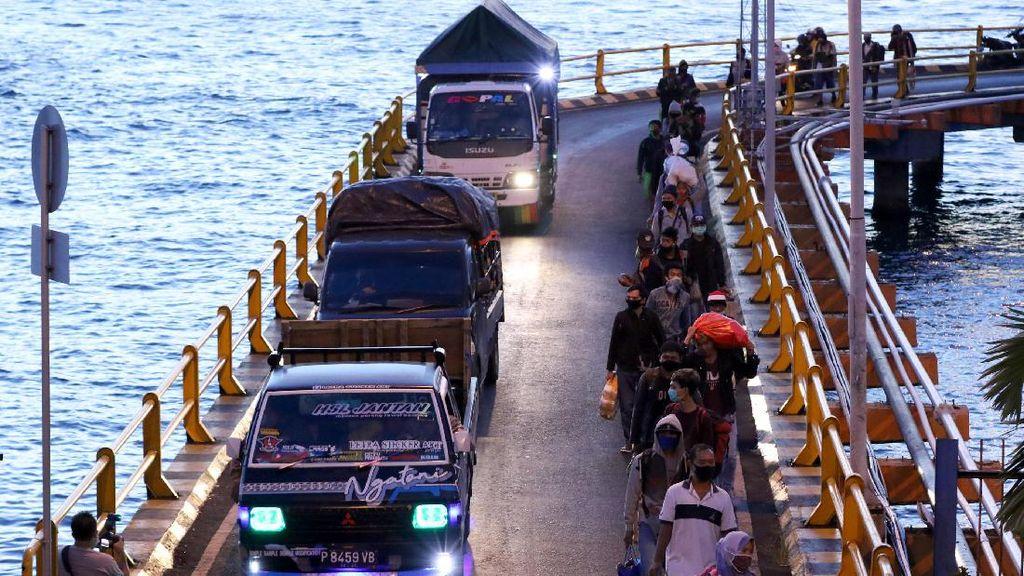 Pemerintah Minta Warga Tak Liburan Selama PSBB Jawa Bali