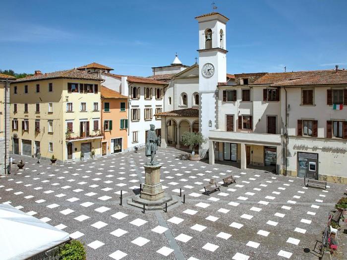 Plaza Italia terapkan Social DIstancing