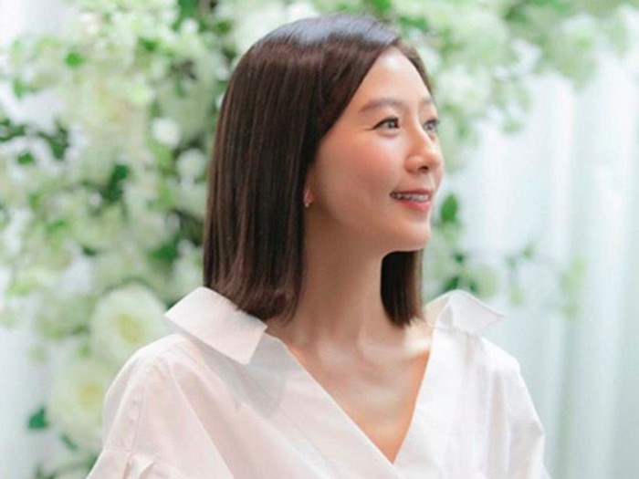 Kim Hee-Ae The World of The Married