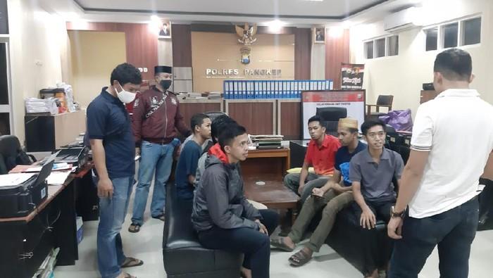 8 Orang yang diamankan polisi terkait bully ke RZ (12), bocah penjual jalangkote di Kabupaten Pangkep, Sulsel ditetapkan jadi tersangka (dok. Istimewa).