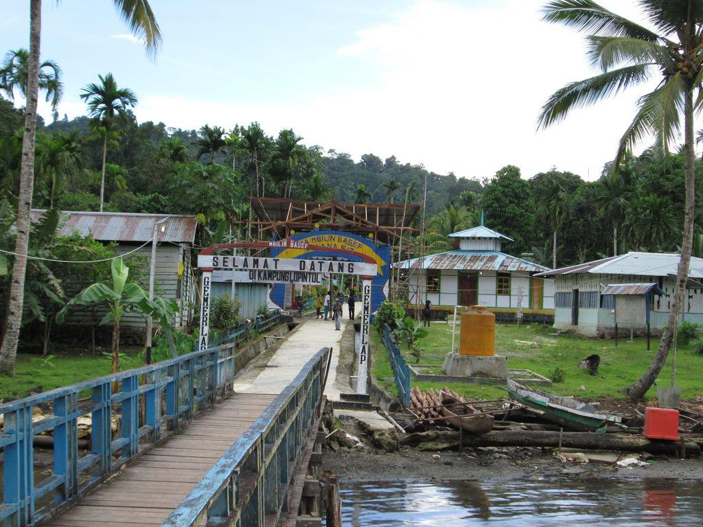 Lopintol, kampung islam di Raja Ampat