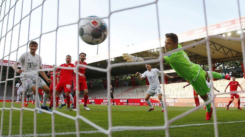 Bundesliga Main Lagi, Lewandowski Kembali Cetak Gol