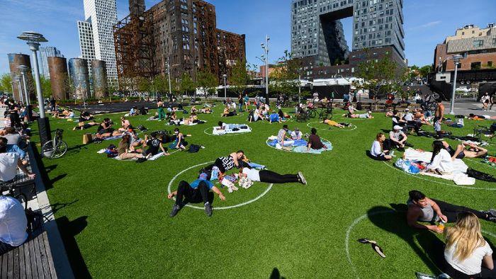 Taman di New York terapkan jarak sosial